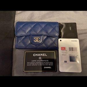 Chanel caviar navy blue card holder case gold ghw